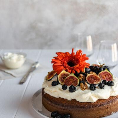 Κέικ Μελιού με Καρύδια και Κρέμα Τυρί