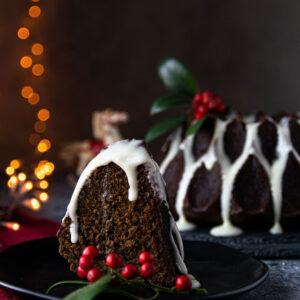 Gingerbread Κέικ με Γλάσο Κρέμας Τυριού
