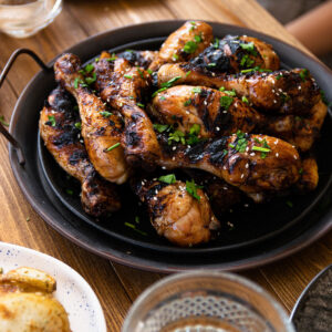 Μαριναρισμένα Μπουτάκια Κοτόπουλο και Πατάτες στη Σχάρα με Προϊόντα ΙΝΔΙΑ™
